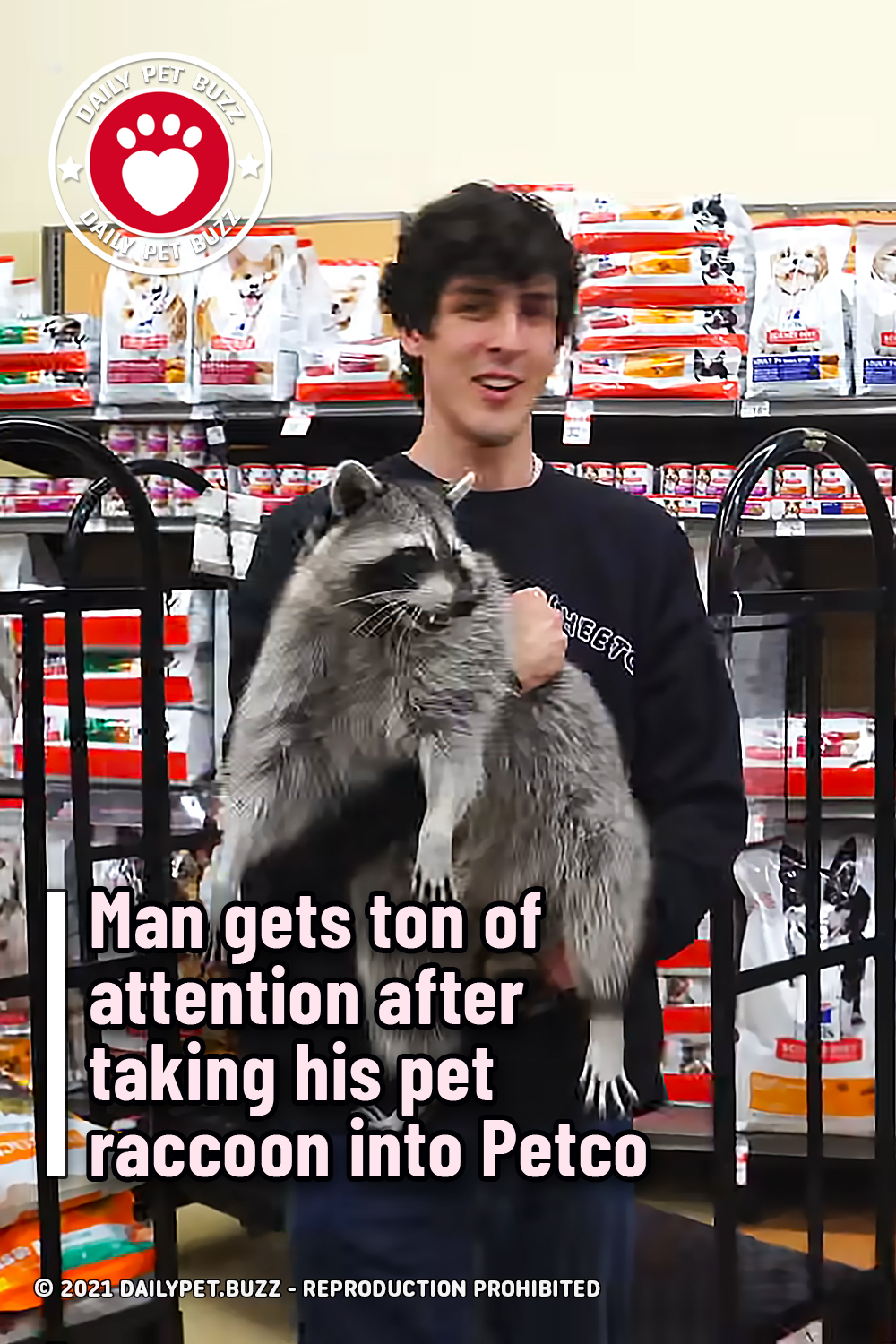 Man gets ton of attention after taking his pet raccoon into Petco